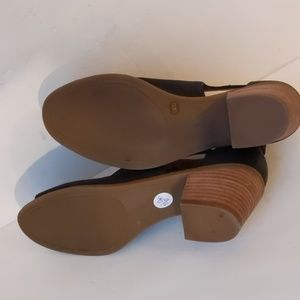 Lucky Brand Shoes - Lucky Brand leather open-toe sandals-sz 7 1/2 M
